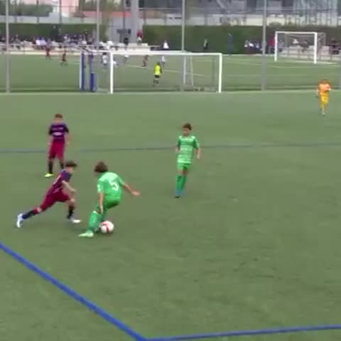 Amazing goal from youth football at Barça last weekend #VineFCB #skillsFCB - Vine by FC Barcelona - Amazing goal from youth football at Barça last weekend #VineFCB #skillsFCB