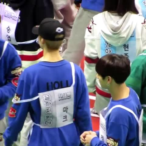 Vine by V_kun1230 - cr; hyde roy