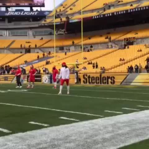 Vine by Kansas City Chiefs - Jaamal makes it look too easy. #KCvsPIT