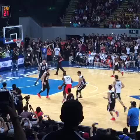 King James with the Alley-Oop off the Backboard‼️ #LeBronInManila #NikeRise Philippines ???????? - Vine by LeBron James ✅ - King James with the Alley-Oop off the Backboard‼️ #LeBronInManila #NikeRise Philippines 🇵🇭
