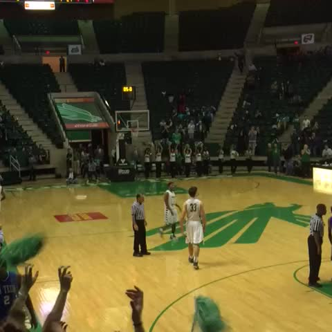 Vine by Fill Apogee - The excitement was in the air at the Super Pit! #gomeangreen #ballislife #UNT #PackThePit