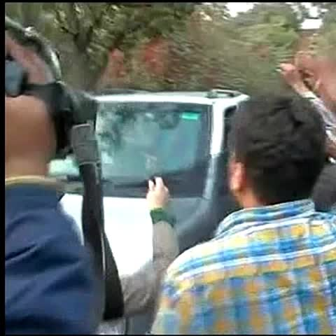 Vine by TIMES NOW - Rahul Gandhi shown black flags by ABVP workers shouting Rahul Gandhi go back, on arrival at JNU #IndiaFirst