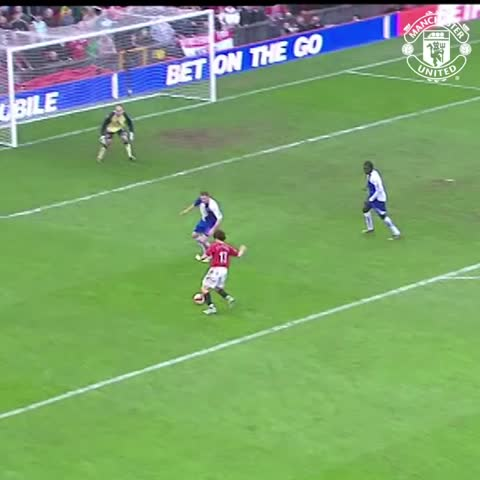 Vine by Manchester United - Ole Gunnar Solskjaer scored the last of his 126 goals for #mufc on this day in 2007.