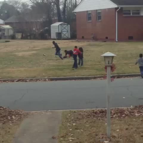 Vine by DAndre Johnson - Bruh omg, he got dropped in the name of the lord #HereComesTheBoom #dropkick #fight Reggie COUZ