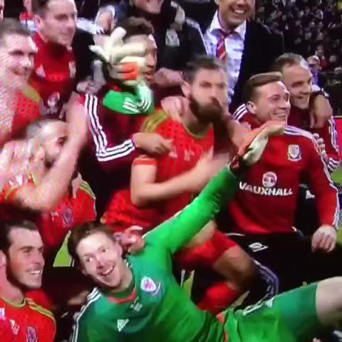 Vine by @GIFS_CPFC - Congratulations @joe16led @WayneHennessey1 Gareth Bale, Aaron Ramsey, Joniesta and FAWales on #Euro2016 qualification.