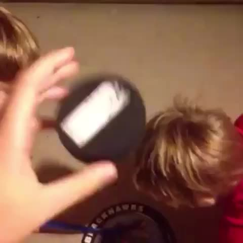 these kids got no chill smh ???? - Vine by Brock - these kids got no chill smh 😭