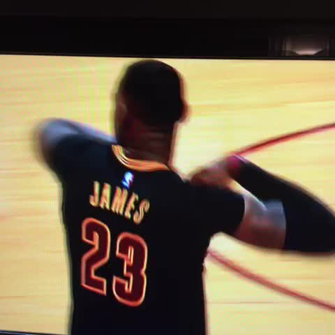 size 40 37b75 e5b23 LeBron James Puts An End To His Sleeved Jersey (VIDEO) | SLAM