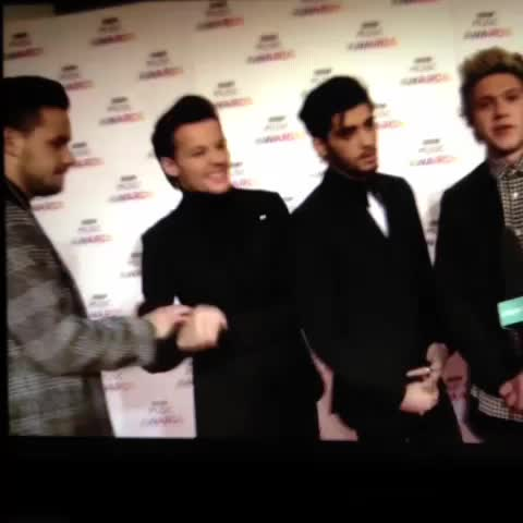 Liam & Louis being silly sigh love them ????????????????❤️???????????????????? - Vine by We ❤️ You Zayn / Ediz - Liam & Louis being silly sigh love them 😂😍😘💕❤️🇬🇧💜💙🍀