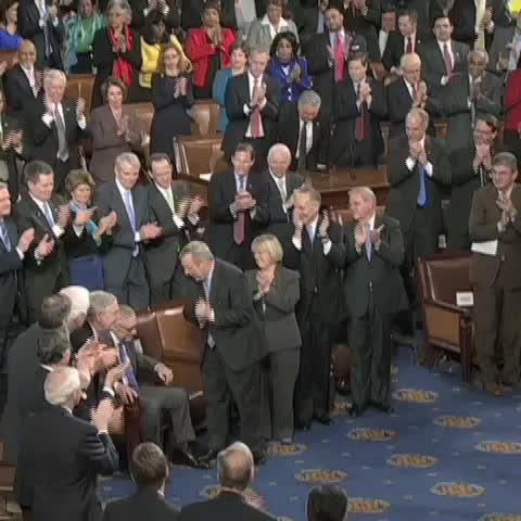 Vine by CNN Politics - The times Congress clapped for #BibiSpeech. #politics
