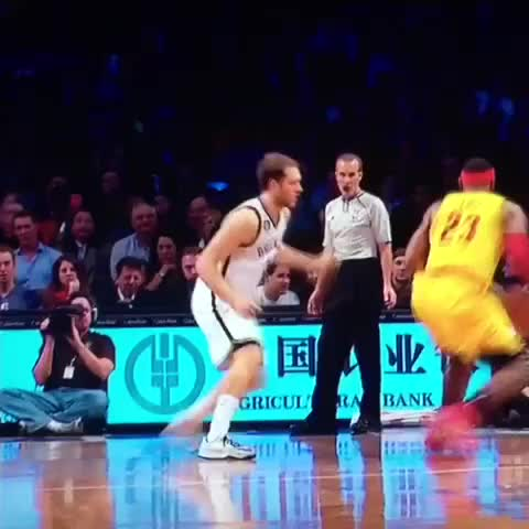 Vine by LeBron James ✅ - ???? #LeBronJames with the spin & fadeaway! #RocNationSports!