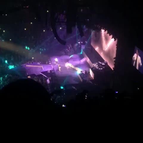 """Vine by Ariana Grande Brasil - Ariana Grande and Justin singing """"Love Me Harder"""" in Miami 03/28"""