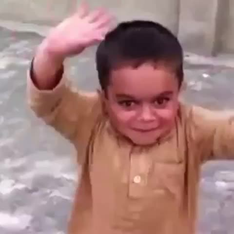 Vine by Mo Khan - Look at the flick of that wrist 😂
