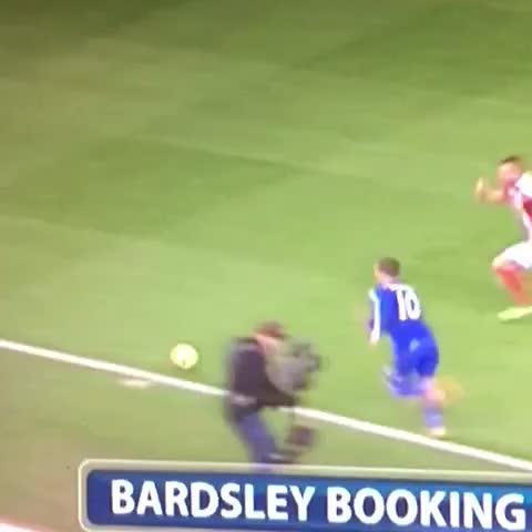 Bardsley killing Eden Hazard #CFC #mnf #chelsea #hazard #Stoke #foul #kill #Monday #clatter #destroy #ouch #legs #Stoke #Bardsley #Ronaldo - Vine by Rohenry - Bardsley killing Eden Hazard #CFC #mnf #chelsea #hazard #Stoke #foul #kill #Monday #clatter #destroy #ouch #legs #Stoke #Bardsley #Ronaldo