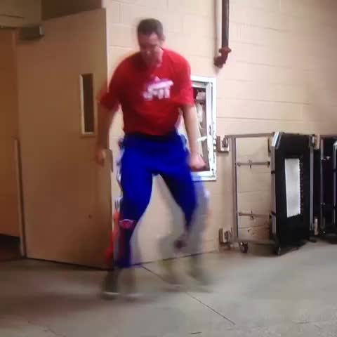 Vine by Ananth Pandian - Jason Smith with the sweet moves