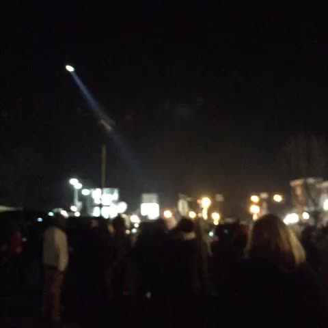 Helicopter flying extremely low #ferguson - Nettas post on Vine