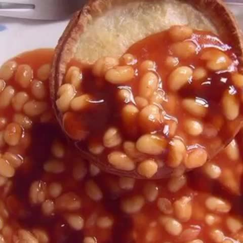 Vine by Baz Sutherland - Scotch pie & beans