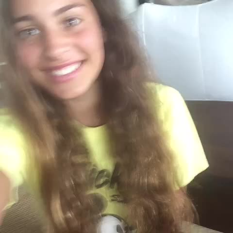 Vine by Lele Pons - Lip-synching with Lele🌺