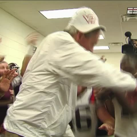 """Vine by ESPN CollegeFootball - Frank Beamer dabbing defines """"going out on top"""""""