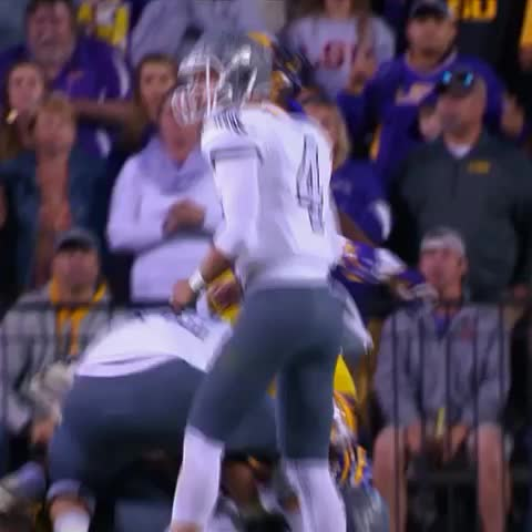 Eastern Michigan is having fun in Death Valley! They trail No. 9 LSU by just 6 at the half. - Vine by SportsCenter - Eastern Michigan is having fun in Death Valley! They trail No. 9 LSU by just 6 at the half.
