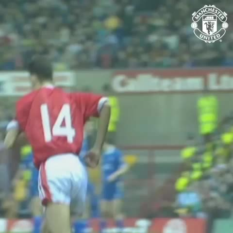 Vine by Manchester United - The moment it all began… Ryan Giggs made his #mufc debut on 2 March, 1991.