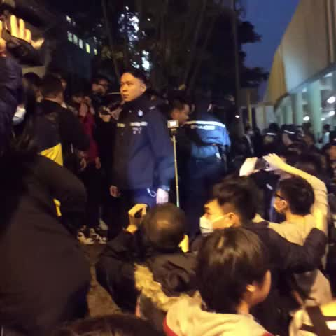 Vine by Hong Kong Hermit - Cops push up onto gardens the Civic Passion people occupied #occupyhk #umbrellarevolution
