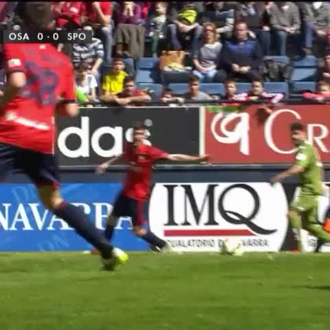 Vine by Sporting Vine - El Sporting roba, Capitulo 9, penalti sobre @PablinPerez7 no pitado frente a Osasuna