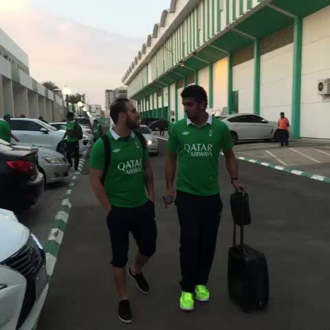 Vine by الأهلي السعودي - مباشر من جدة // مغادرة فريق الملكي إلى مطار الملك عبدالعزيز للتوجه إلى الرياض لملاقاة الشباب غداً .