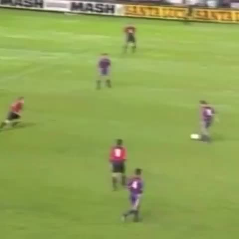 #ThrowbackThursday This was surely one of Romarios best goals at Barça. Revine if you agree? #VineFCB #Goal - Vine by FC Barcelona - #ThrowbackThursday This was surely one of Romarios best goals at Barça. Revine if you agree? #VineFCB #Goal