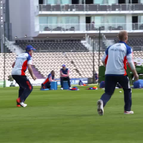 Check out these hands in training today from @benstokes38. Hes been taking game-changing catches all summer #skills - Vine by England Cricket - Check out these hands in training today from @benstokes38. Hes been taking game-changing catches all summer #skills