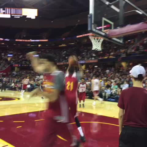 Back in the paint. ????????#WGScrimmage - Vine by Cavs - Back in the paint. 💪🏾#WGScrimmage