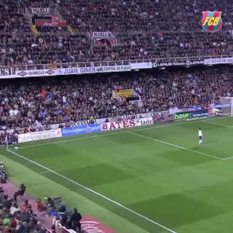 Vine by FC Barcelona - Carles Puyol scoring against Valencia #goal #VineFCB #Puyol