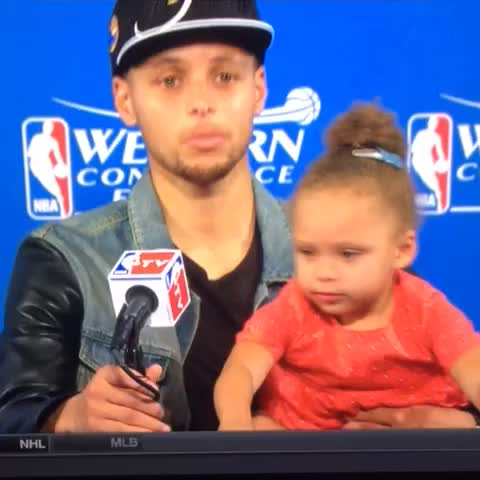 Vine by Rob Perez - Riley Curry trollin 😂😂