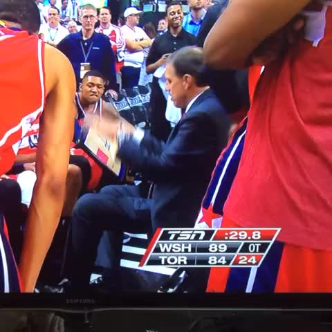 Vine by TMB - Randy Wittman cant figure out which way the playboard goes #wizards #nbaplayoffs