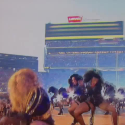 Vine by Randall Roberts - Beyonce + Bruno go crazy