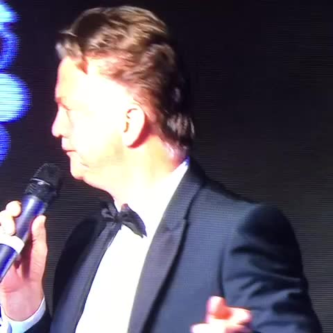 Vine by Man Utd Universe - Watch. Smile. Repeat. #louisvangaal #mufc