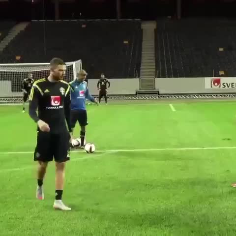 Zlatan Ibrahimovic training for the Swedish national team. - Vine by thepunterspage.com - Zlatan Ibrahimovic training for the Swedish national team.