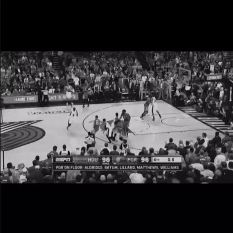 Vine by SuperDuperBez - Damian Lillard is clutch 👌🏼 #DamianLillard #Clutch #trailblazers #Rockets #savage