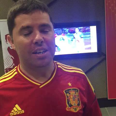 Vine by 2015handball - An interview with a fan of #Spain مقابلة مع مشجع من#إسبانيا #LiveitWinit