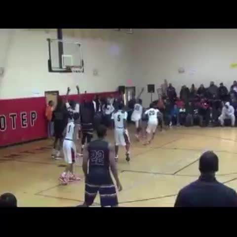 Vine by UPTOWNBYRD - MLK 66 vs Imhotep 60! Late 4th qt buckets from @4EvaNa_Chase *12-16-14*