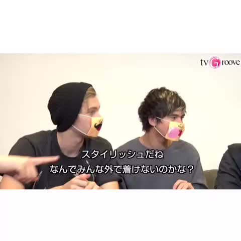 Vine by 5sos clips ♡ - wink one more time calum