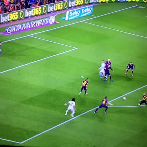 Vine by Joe Hanley - See yaaaa #Rakitic #Barcelona #RealMadrid #Football #Soccer #Loop