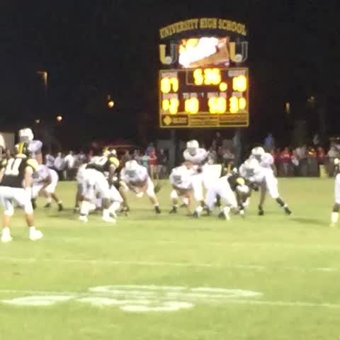 Vine by Amos Morale III - Maurice Bailey picking up 6 #nolaprep