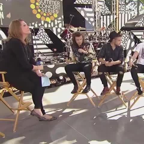 Vine by 1D Central - HARRY IS SO DONE WITH THIS INTERVIEW