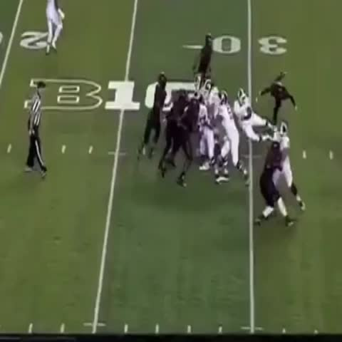 Vine by MSU Football Bowlin Group™ - Connor Cook to @DeAnthonyArnett late in the 3rd Quarter vs Rutgers! #B1GPlays by Spartan Football #PlayMakers! 6-0 ????On to A2 #V4MSU!