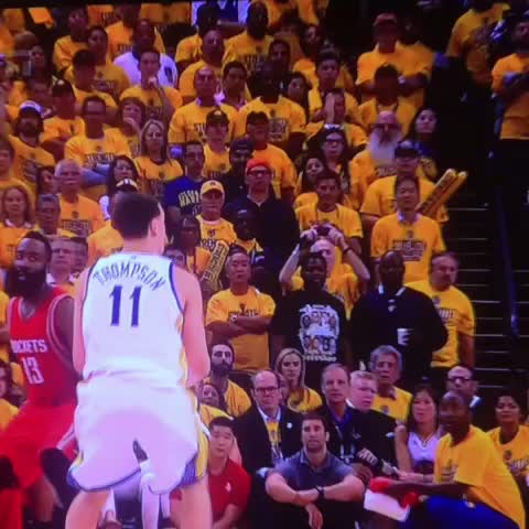 """Watch RealGM's Vine """"Klay Thompson gets a knee on the side of the head by Ariza."""""""