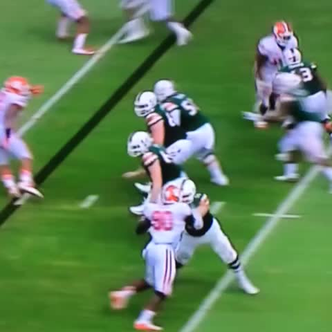 Vine by 386 DSFB - #CLEMvsMIA #ShaqLawson shown big time agility and acceleration