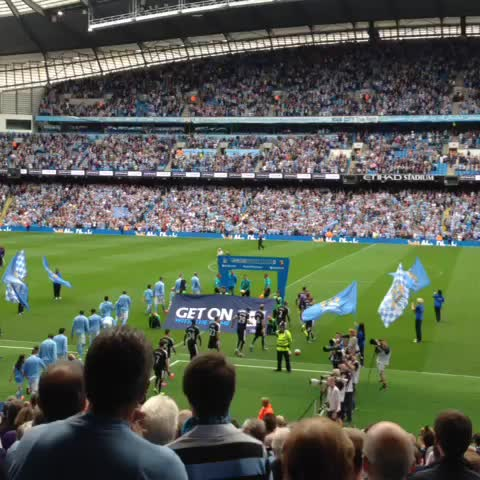 Vine by Tom Bodell - The scene is set & #MCFC v #watfordfc is moments away. @Observer_Owl for updates!