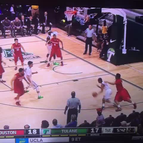 Vine by Fear the Wave - Kajon Mack just broke some ankles then put a guy on a poster. #rollwave