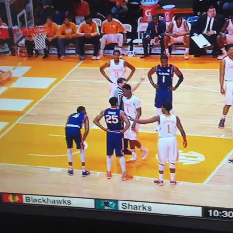 Vine by Rocky Top Insider - Auburn doesnt understand how to line up for free throws... Earn a technical because of it.