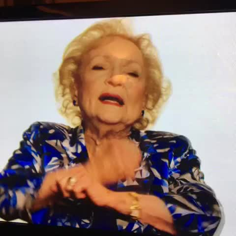 Vine by Zack Neiner - Betty Whites Dab ????????